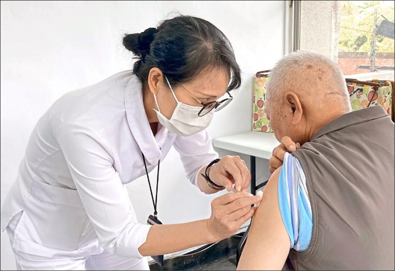 50~64歲暫緩接種疫苗/臨時宣布 阿中道歉