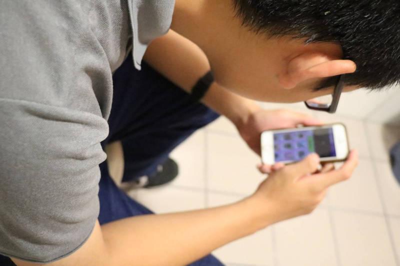 月租1599「換4G手機」? 網友:合約史上最「肥羊」