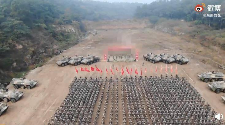 中國東部戰區微博釋出72集團軍「出征誓師畫面」。(圖取自共軍東部戰區微博)