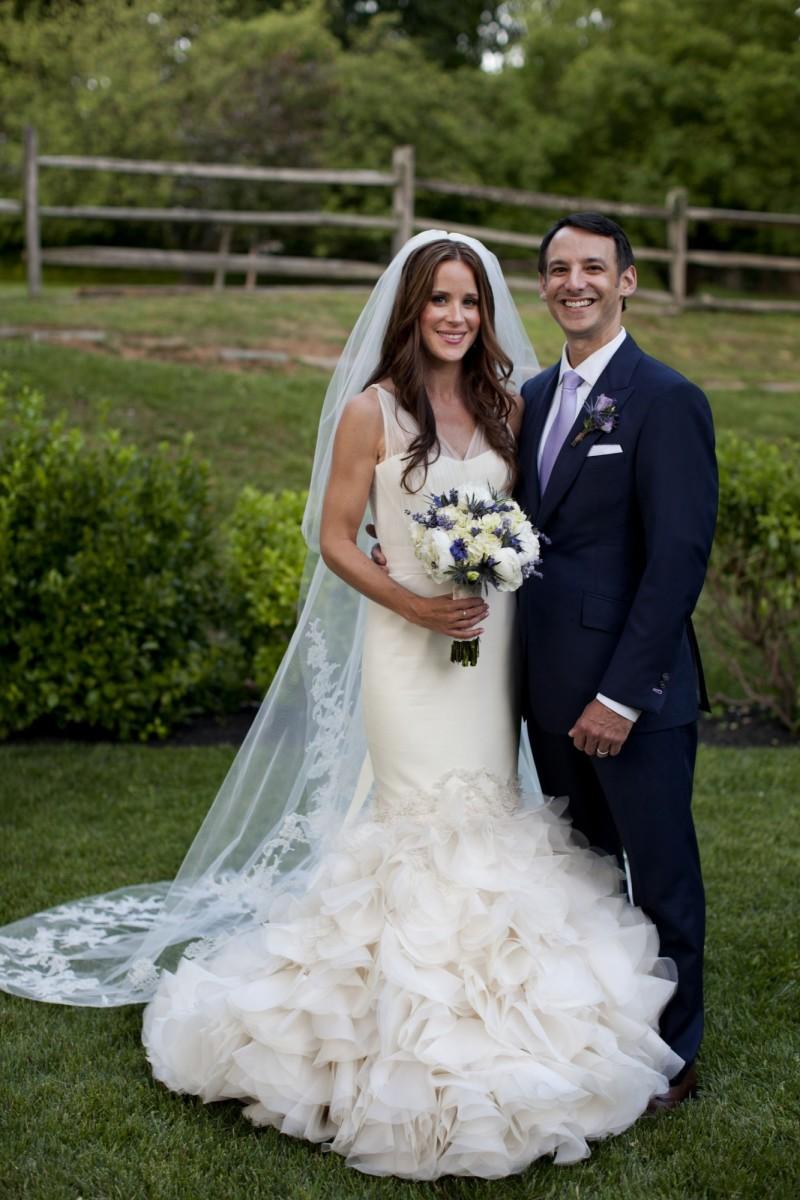 拜登女兒艾希莉與夫婿克萊恩的結婚照。(美聯社檔案照)