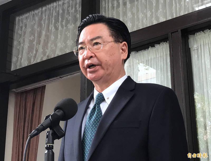 外交部長吳釗燮20日受訪表示,欺負善良台灣,不會讓中國復興偉大,對於中國不理性作法要討回公道。(記者劉信德攝)