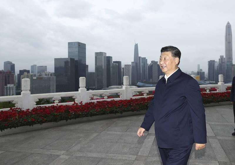獨立時評人沈度指出,中國國家主席習近平(見圖)近日強調,世界正經歷「百年未有之大變局」,其說法有2層考量,第一是中國已到正式與西方公開對抗的節點,第二則是中國內外對共產黨體制的不滿和服從也到達頂點。(美聯社資料照)
