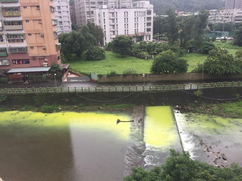 新北市沒有收水肥的污水處理廠,恐將無照業者在河川偷倒水肥,污染河川。示意圖,與新聞無關。(資料照)