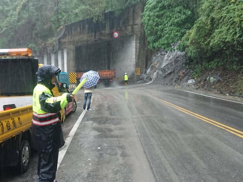 蘇花公路今天午後降雨加劇,若危及行車安全不排除封路。(記者江志雄翻攝)