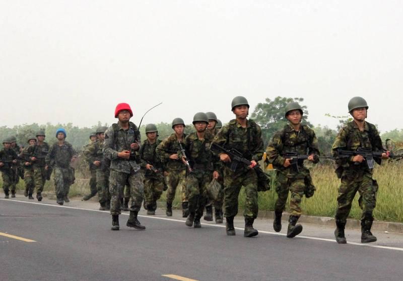 軍事訓練役男進行戰術行軍訓練。(資料照,國防部提供)