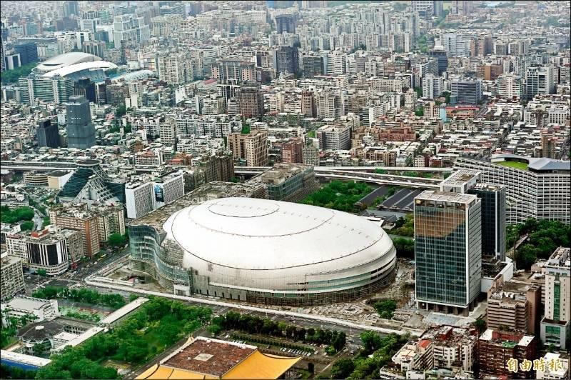 台北市議員林亮君質疑,體育局編列700萬大巨蛋專案管理的追加預算,以及350萬營運權利金的評估案不合理。(資料照)