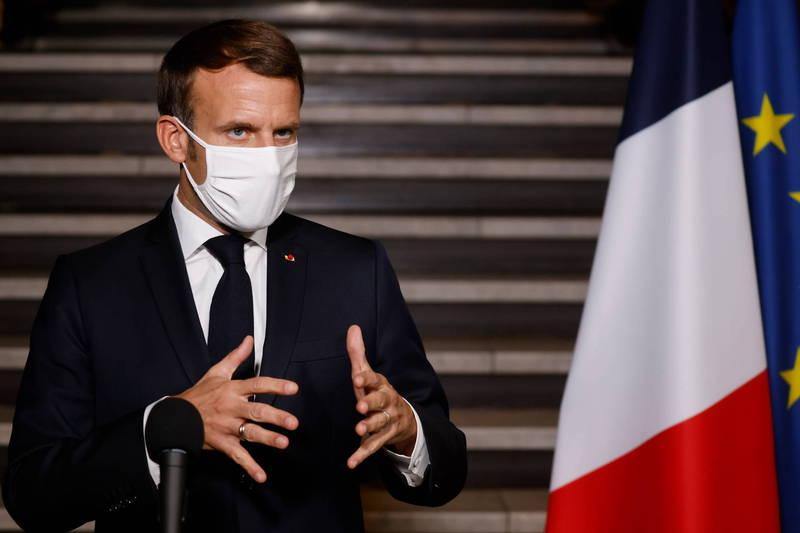 法國爆發街頭斬首事件,總統馬克宏10日表示,政府將加強對極端主義的行動。(歐新社)