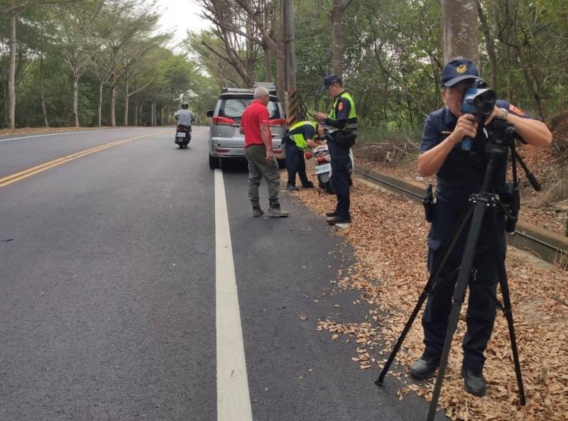 彰化縣139線意外頻傳,速限降為40公里,新制上路首日取締告發28件超速。(彰化縣警局提供)