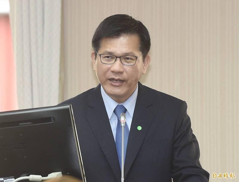 林佳龍今出席立法院交通委員會受訪。(記者簡榮豐攝)