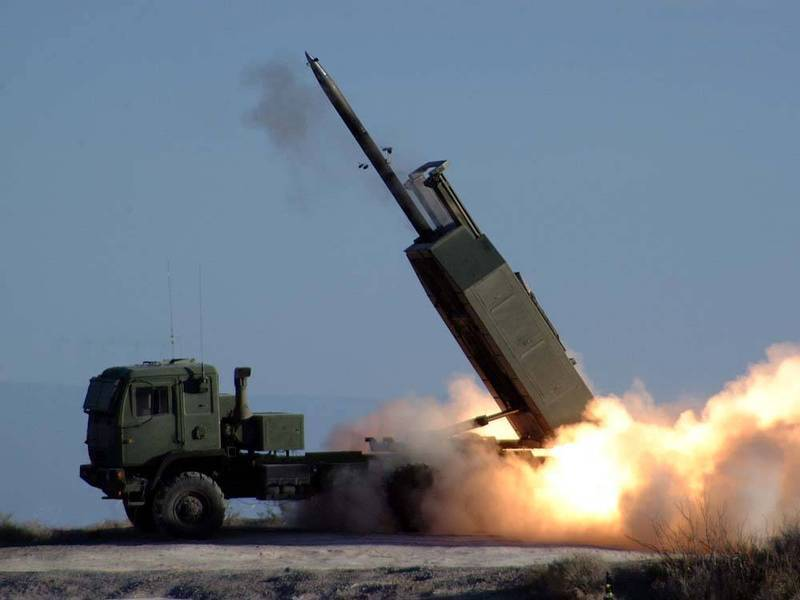 圖為M-142高機動性多管火箭系統(HIMARS、海馬斯)。﹙資料照,取自美國陸軍﹚