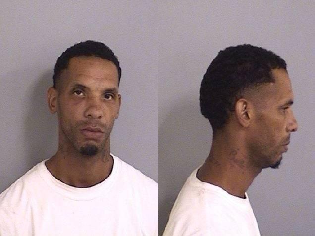 34歲男子桑契斯被警方逮捕。(圖擷取自臉書Ascension Parish Sheriff`s Office)