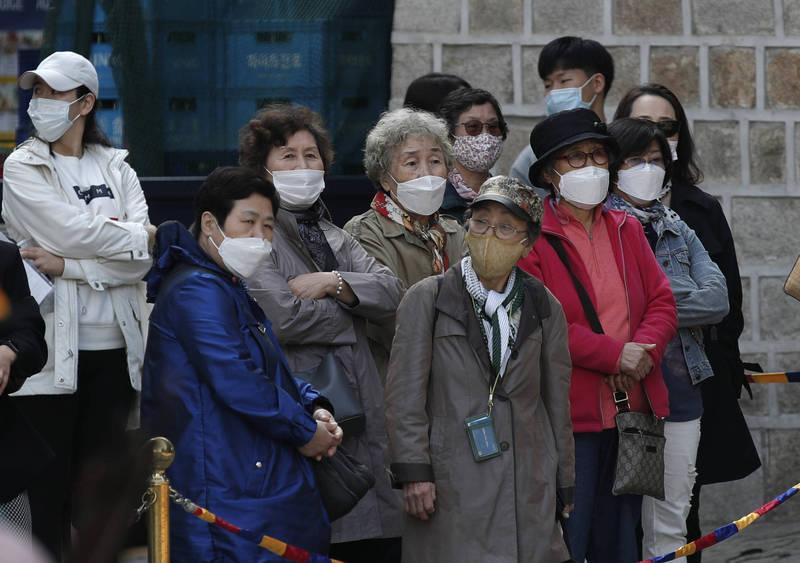 南韓近期出現民眾接種流感疫苗後身亡案例,自本月16日起至21日止,接種後死亡人數已攀升至10人。圖為南韓街景。(美聯社)