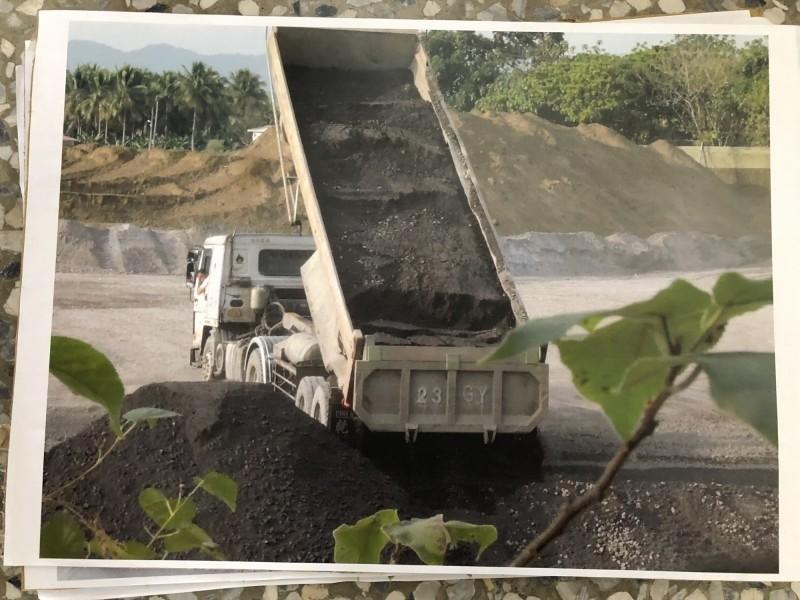 爭議多年的旗山大林轉爐石清運,高市環保局廢止萬大公司清理計畫。(資料照)