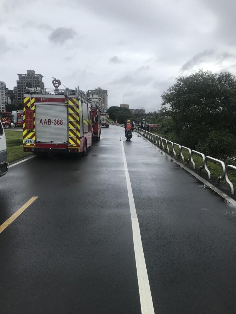 消防員在本月22日前往搜救。(記者王冠仁翻攝)