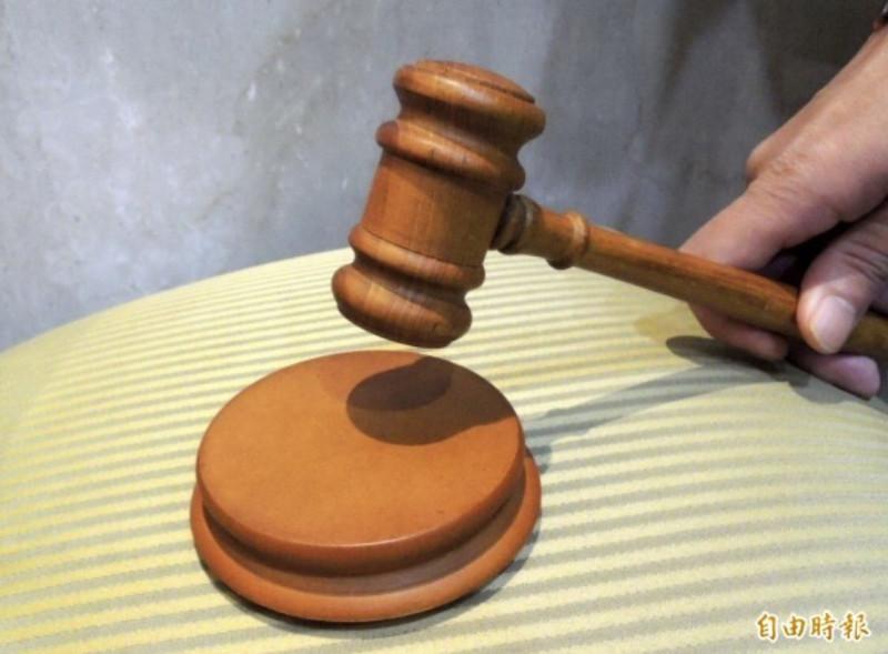 妄想症男隨機狠撞路人重傷,法官仍以未規律就醫服藥認定有罪判刑。(情境照)