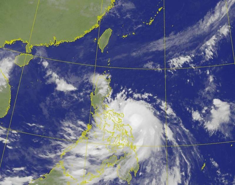 莫拉菲颱風今生晨,不過位置更為偏南,水氣北上多寡仍有變動空間,須持續觀察。(圖擷自中央氣象局)