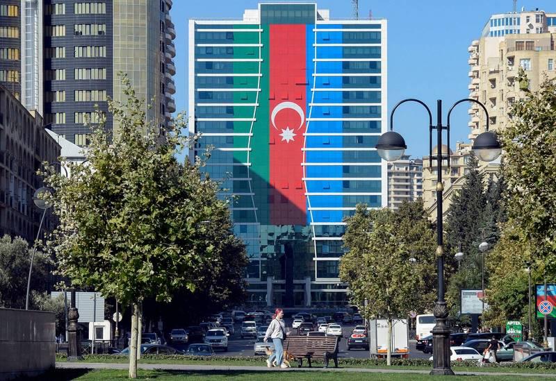 繼美國駐土耳其使館通報可能發生針對當地的美國人與外國人的恐怖攻擊與綁架事件外,美國駐亞塞拜然使館也發出相同的警報,提醒包含美國人在內的外國人須提高警覺。圖為亞塞拜然首都巴庫的街頭。(法新社)