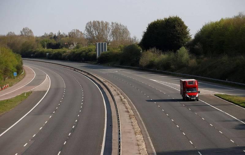 英國M40高速公路發生14車連環撞的意外,造成20人受傷。M40高速公路示意圖。(路透)