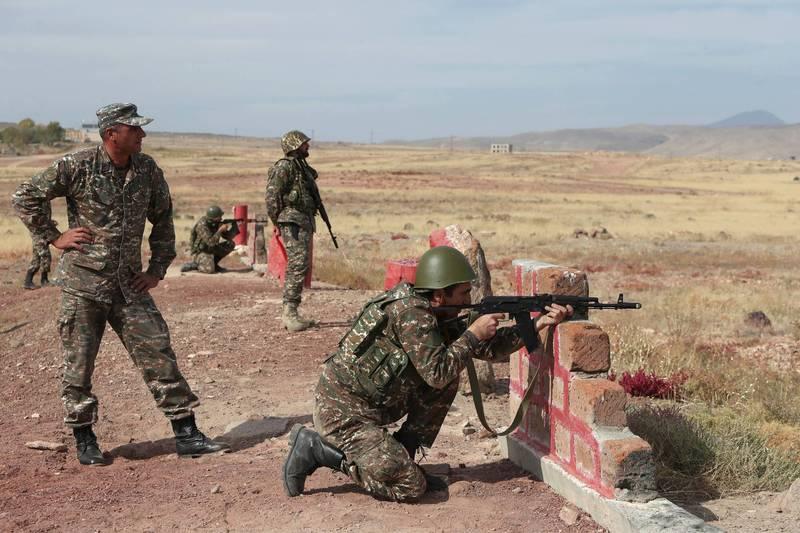 美國國務院25日發布聯合聲明宣布,亞美尼亞和亞塞拜然同意26日起「人道停火」。(路透)