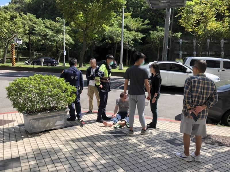 民進黨立委高嘉瑜位於台北市內湖區的服務處,上午11時許發生一起企圖自焚事件,所幸即時阻止避免悲劇發生。(高嘉瑜辦公室提供)