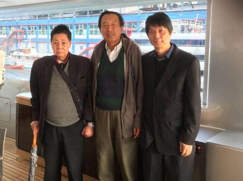 據傳紅二代、前解放軍總參謀長羅瑞卿次子羅宇(中)近日在美國病逝,享年76歲。(中央社資料照)