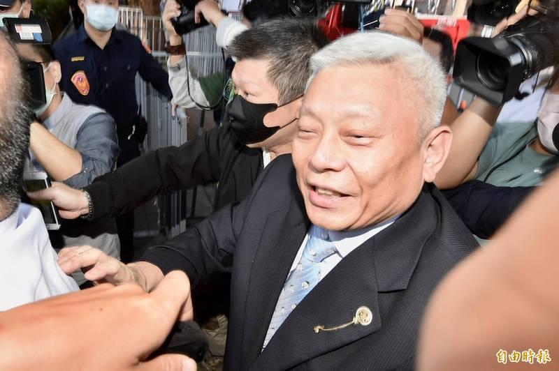 蔡衍明今26日出席NCC中天換照聽證會。(記者塗建榮攝)