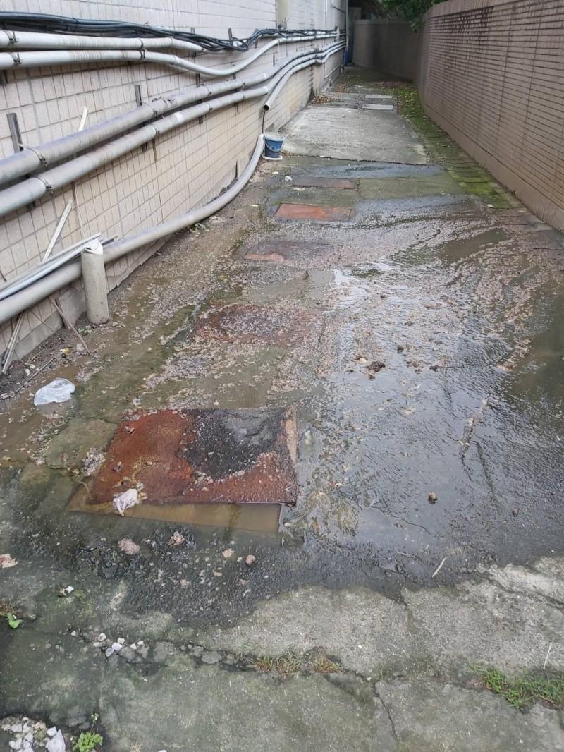新北市水肥無處可倒,造成部分社區「黃金」滿溢的窘境。(民眾提供)