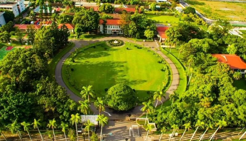 位於台南市東區生產路上的台糖總公司俯視圖。(記者王俊忠擷取自台糖公司官網)