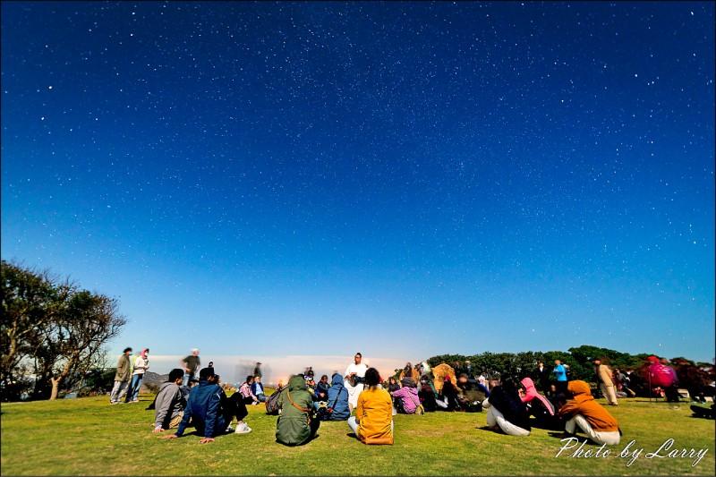 內政部、交通部與連江縣政府共同推動暗空計畫,不僅要助大坵島爭取「暗空島嶼」國際認證,更將成為結合減光節能、環境保育、天文旅遊等多重意義的生態旅遊場域。(圖:北竿06聚點民宿提供)