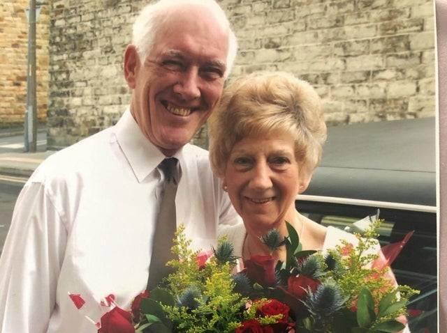 桃樂絲(Dorothy Crowther)和羅納德(Ronald)結婚60多年,感情非常好。(圖翻攝自臉書)