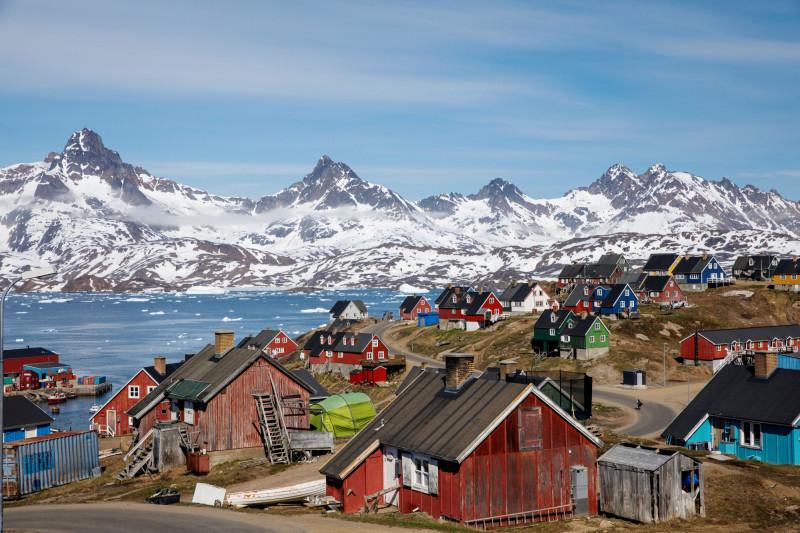 2018年6月的格陵蘭島東南部安馬薩利克鎮景象。(路透檔案照)