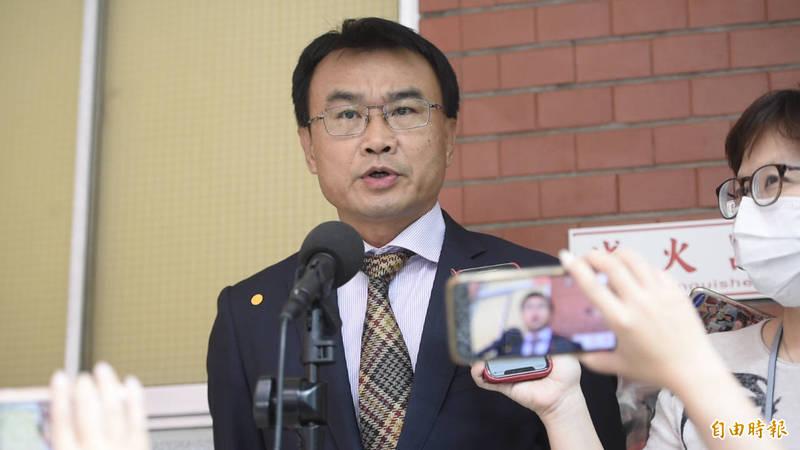 農委會主委陳吉仲受訪時表示,有萊劑和沒有萊劑成本沒有太大差異,如果平常就沒有出口豬肉到台灣,為什麼訂了容許量後,就會出口來台灣?(記者叢昌瑾攝)
