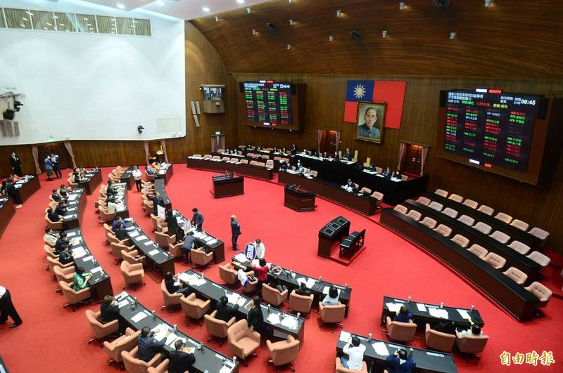 行政院長蘇貞昌已打破最晚上台報告的歷史紀錄,明將5度到立院施政報告,國民黨團決議,不能輕易讓蘇貞昌上台報告,將持續杯葛。(資料照)