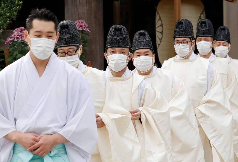 日本武漢肺炎疫情今天再新增473人確診,日本全國的確診人數也正式突破10萬人大關,其中光東京都就超過3萬人,占全國總確診人數三分之一,也已造成1751死亡。(路透)