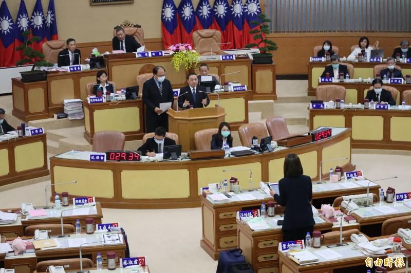 侯友宜今於議會備詢表示,捷運只要在新北市境內,都需由新北負起責任。(記者周湘芸攝)