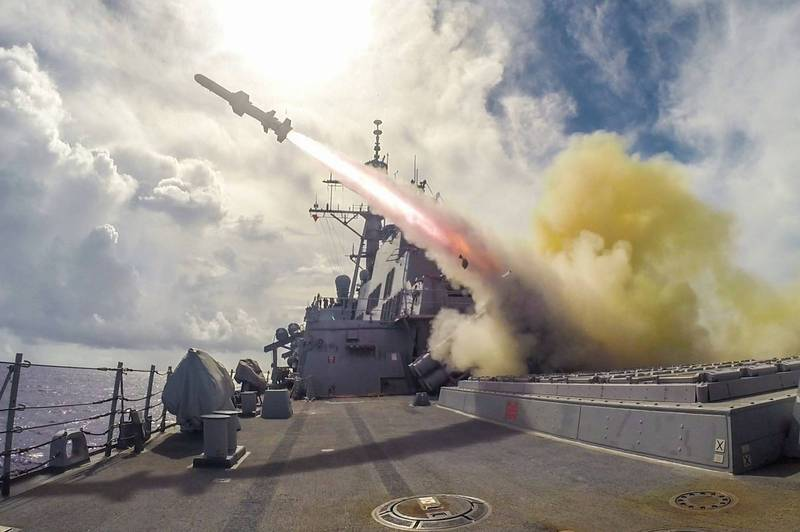 美軍售台100套、400枚岸置型魚叉飛彈,中國對此表達強烈不滿。圖為美國軍艦發射魚叉飛彈。(法新社檔案照)