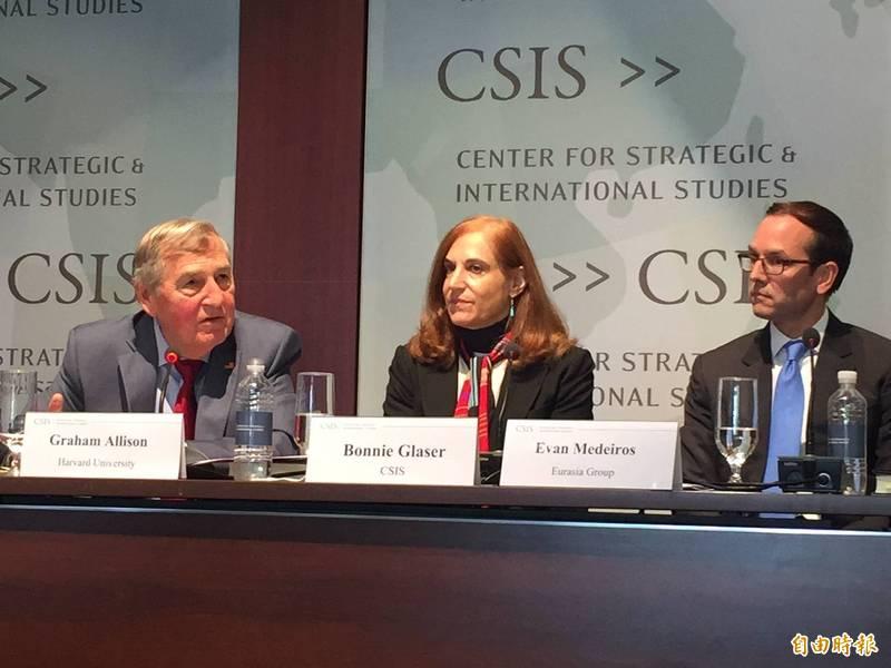 華府智庫專家葛來儀(中)分析,美國國會挺台聲浪強勁,不會因為幾位友台議員選輸或離開而有所改變,未來議員也會持續提出法案對抗中國。(資料照)