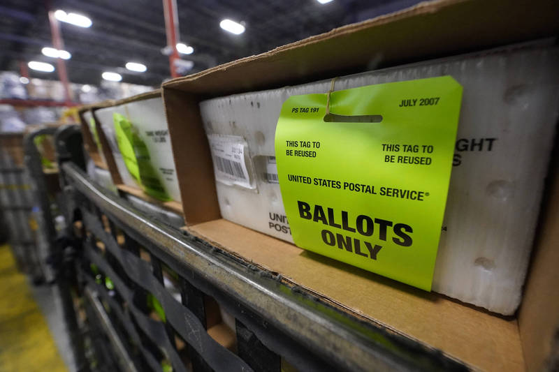 美國郵政管理已經寄送1.22億張空白且已完成的選票。(美聯社資料照)