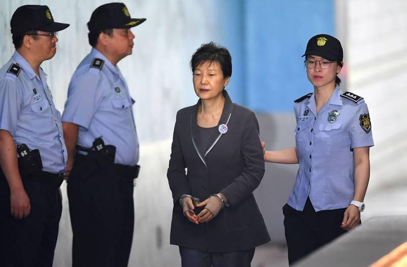 朴槿惠自2017年3月31日被捕後收押至今,目前收監時間已長達3年7個月,為南韓歷任總統中收監時間最長的一位。(法新社)