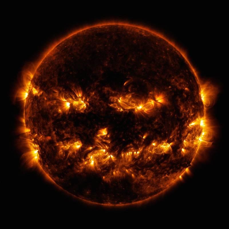 今日在官方網站分享一張2014年拍得太陽表面的觀測照片。(擷取自NASA)