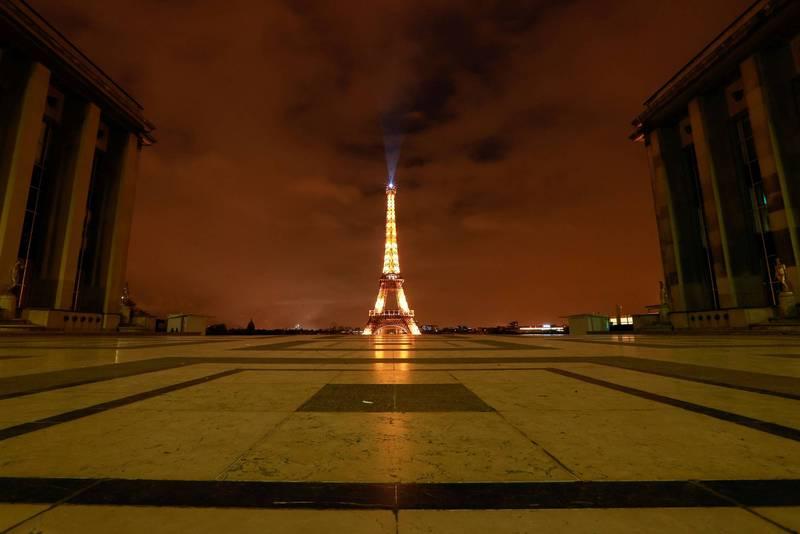 法國自當地時間週五起實施1個月全國封鎖。(路透)