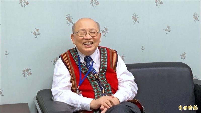 《傀儡花》作者陳耀昌醫師昨至屏東大學演講。(記者羅欣貞攝)
