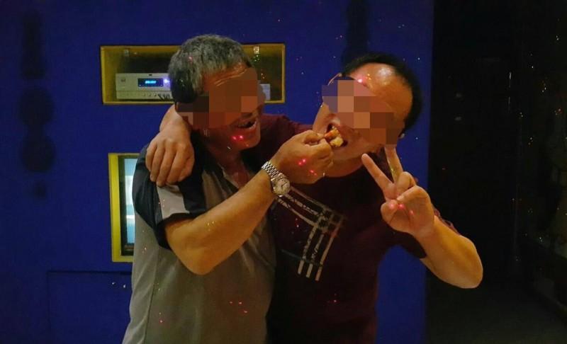 被200多公斤重的牙插砸死的林姓工人(左),生前和親屬感情好。(家屬提供)