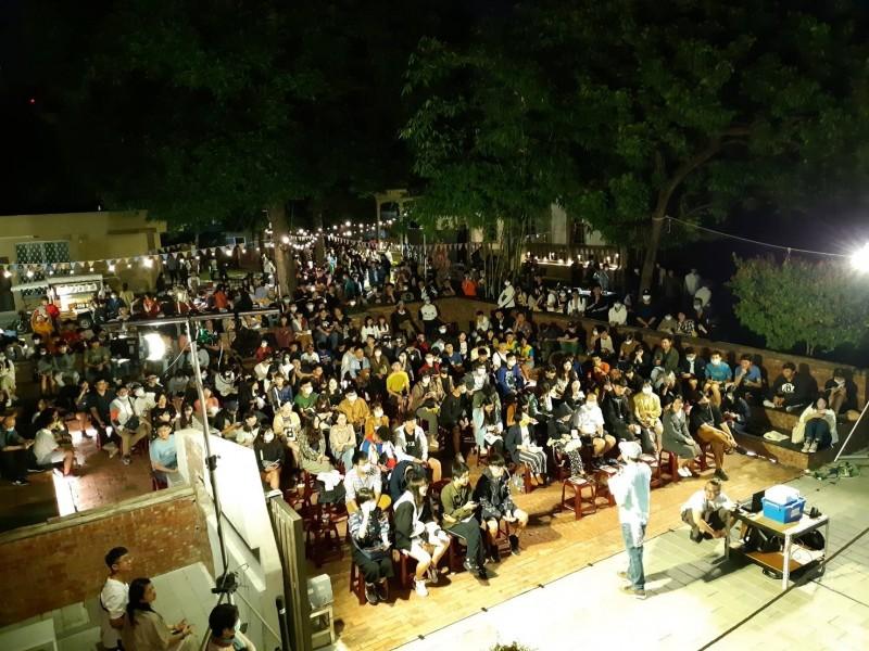 南方影展露天放映會在原廳長官邸 今晚開幕大爆棚