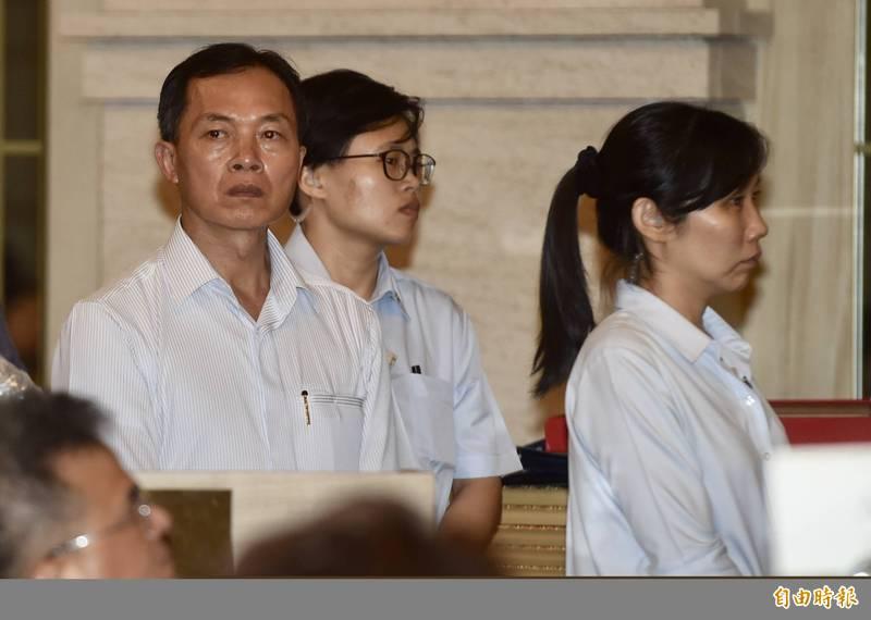 總統府侍衛長鍾樹明中將(左)將調任為陸軍6軍團指揮官。(資料照)