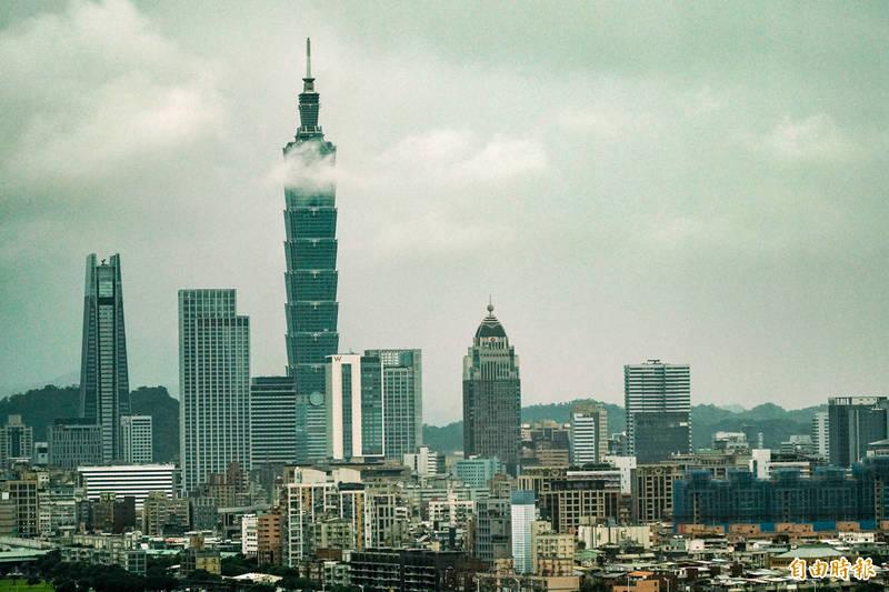 台北市最低生活費(貧窮線)明年調整為17668元,若全家收入一個月低於25241元,則為中低收入戶。(資料照)