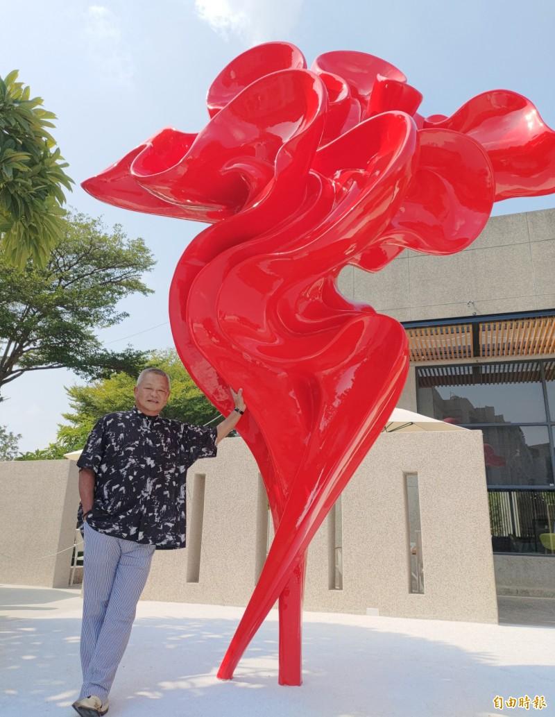 4米「舞鶴」讓大馬路變美了 員林新裝置藝術吸睛