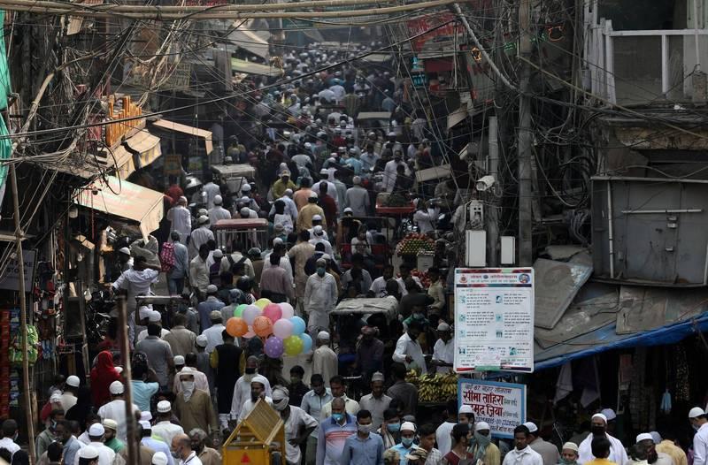 僅管印度的武漢肺炎累計確診數為全球第二,但的死亡率卻低於2%,這個數字為全球最佳,專家也設法提出解釋。(路透)