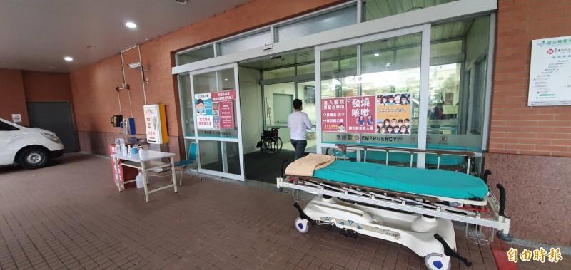 新竹馬偕與兩醫師判賠2198萬,圖為新竹馬偕醫院急診室外觀。(記者蔡彰盛攝)