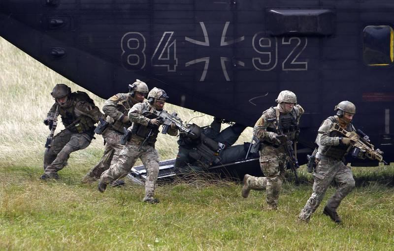 德國官方近期公布KSK彈藥失蹤調查報告,指出很有可能是清點錯誤所致,並非被偷竊。圖為KSK士兵。(路透)